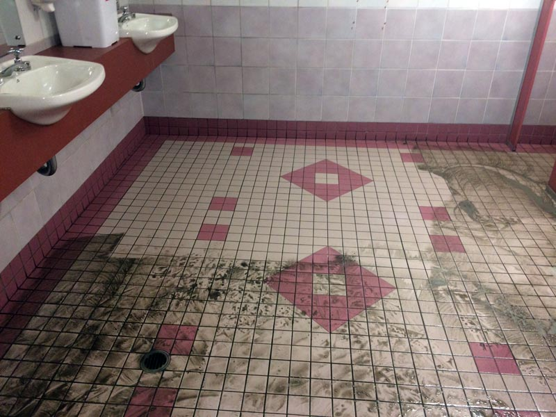 Public Washroom Tile and Grout Cleaning Services